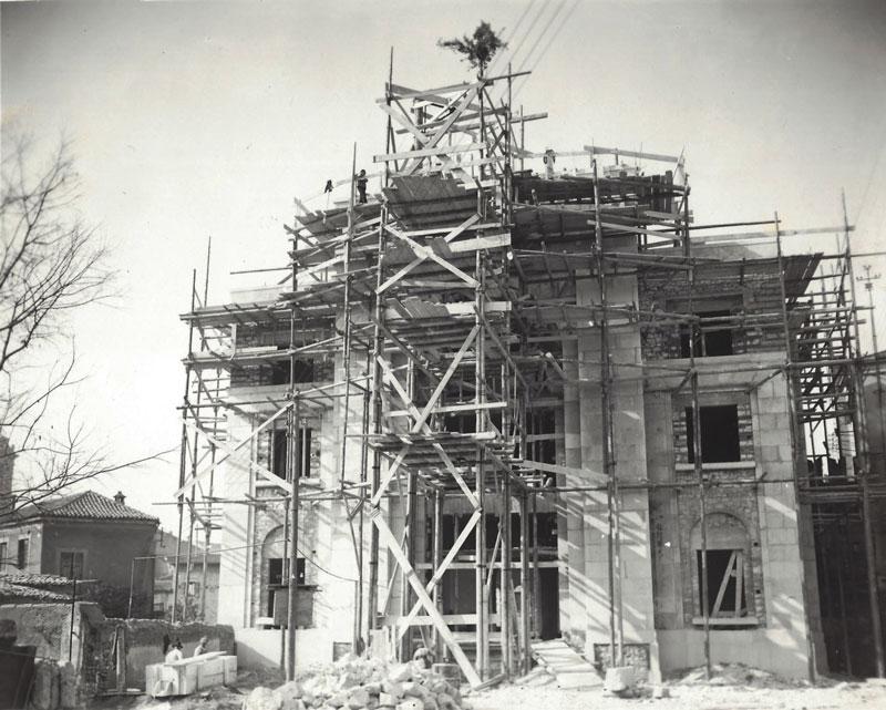 Palazzo dei Mutilati in costruzione